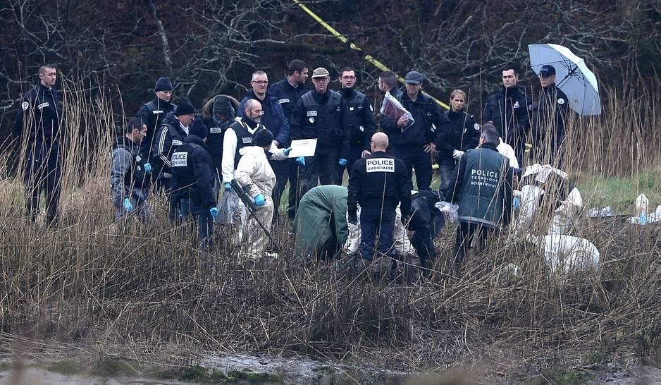 9 mars 2017: De nouveaux restes humains ainsi que des bijoux et objets appartenant à la famille Troade, notamment des ordinateurs, ont été découverts dans la propriété d'Hubert Caouissin