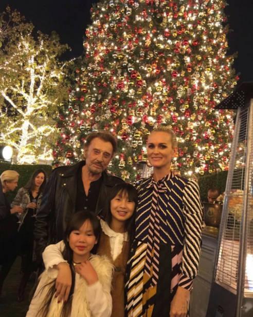 Avec ses filles Jade et Joy et Laeticia, à Noël, à L.A.