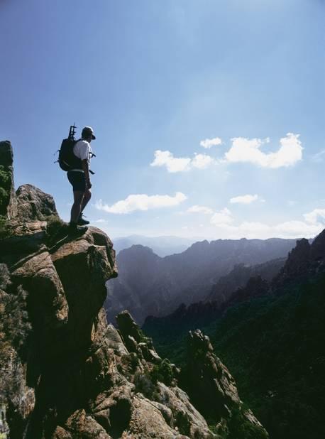 Un randonneur au Capo d'Orto en Haute Corse