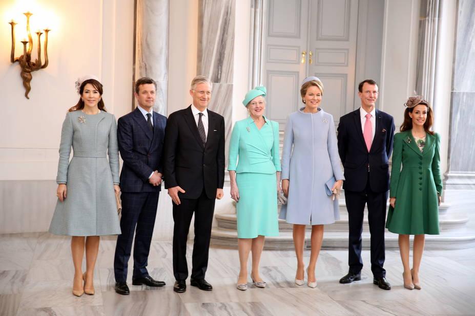 La reine Margrethe, bien entourée