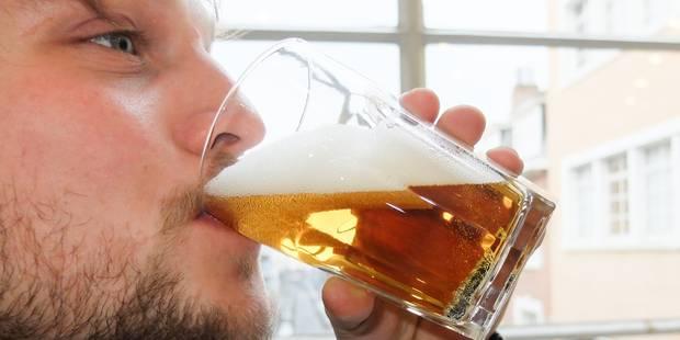 Faudrait-il aussi interdire la bière aux moins de 18 ans ? - La Libre