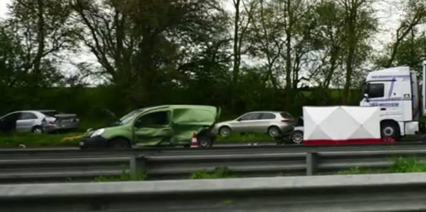Accident mortel spectaculaire entre un camion et 8 véhicules sur l'autoroute E19 à Nivelles - La Libre