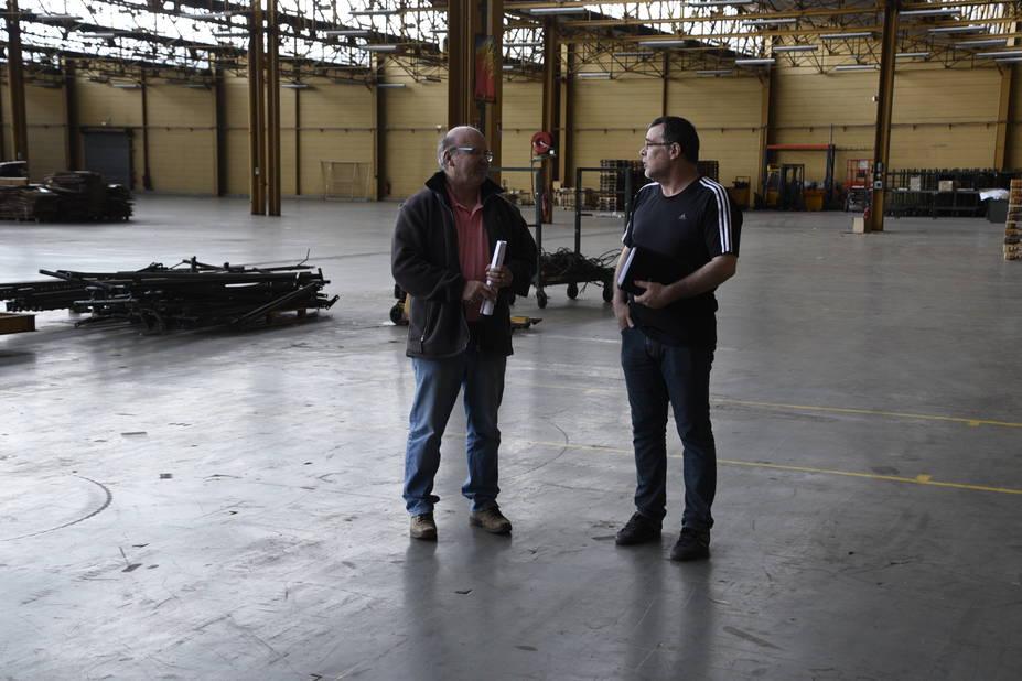 Deux anciens ouvriers reviennent sur les lieux