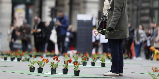 """Bruxelles: Cérémonie d'hommage en l'honneur des 72 habitants """"de la rue"""" décédés en 2016 - La Libre"""
