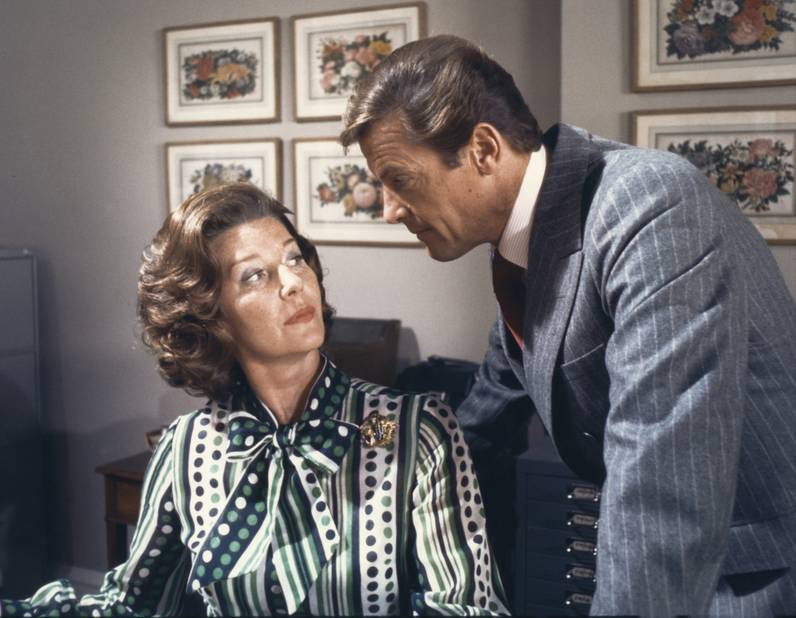 Lois Maxwell, Miss Moneypenny