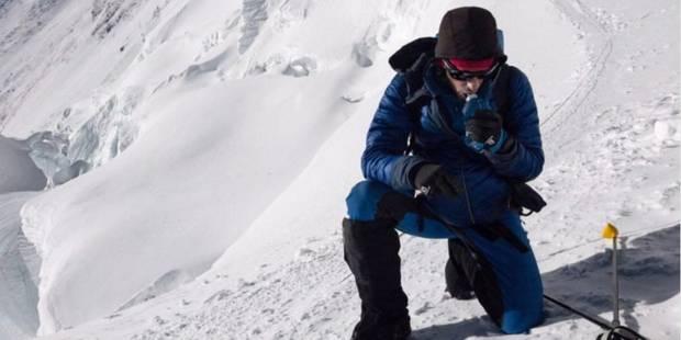 Historique: Kilian Jornet gravit deux fois l'Everest sans oxygène en 26 heures - La Libre