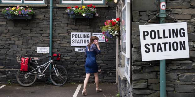 Elections législatives en GB: Theresa May perd sa majorité absolue, selon un sondage sortie des urnes - La Libre