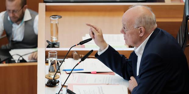 Crise politique: Le parlement bruxellois demande au gouvernement de clarifier la position du cdH - La Libre