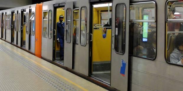 Bruxelles: une personne fait une chute mortelle à la station de métro Saint-Guidon - La Libre