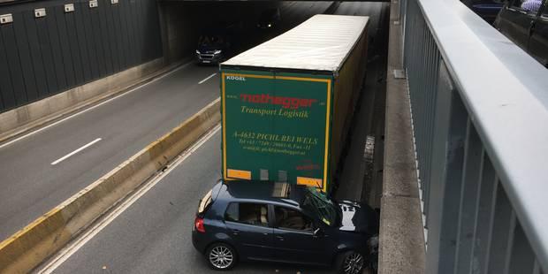 Accident dans le tunnel Art-Loi: embouteillages sur la Petite ceinture - La Libre