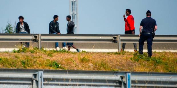 France: 26 migrants découverts dans un camion frigorifique - La Libre