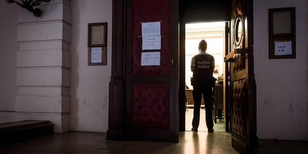 Bruxelles: peines modérées pour les tortionnaires du petit Daryl, laissé 15 heures durant sur son balcon en plein hiver ...