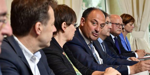 Bonne gouvernance au sein du gouvernement wallon MR-cdH: René Collin échappe de peu à la nouvelle règle - La Libre