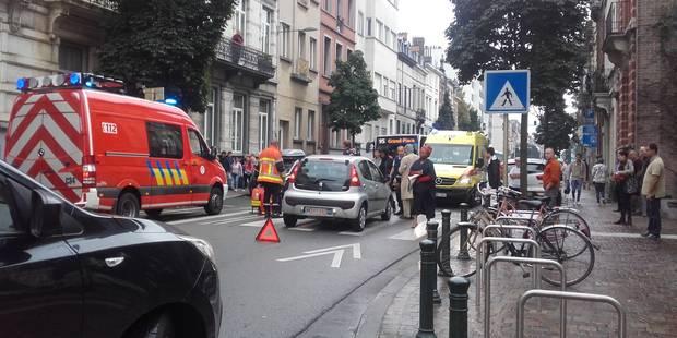 Ixelles: un piéton dans un état grave après avoir été renversé par une voiture - La Libre