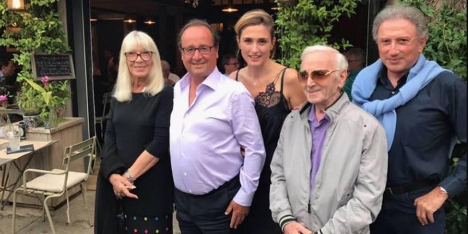 En vacances, Hollande photographié avec Julie Gayet, Drucker et Aznavour