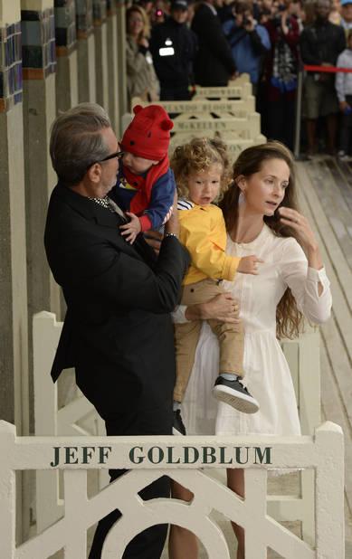 Jeff Goldblum, son épouse et ses enfants ont inauguré la cabine de l'acteur dans la bonne humeur.