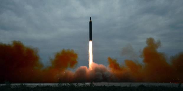 """""""Pyongyang a réussi à miniaturiser une arme nucléaire de façon à pouvoir en équiper un missile"""" - La Libre"""