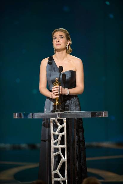 Elle remporte l'Oscar de la meilleure actrice, la plus prestigieuse récompense au cinéma, en 2009, pour The Reader.
