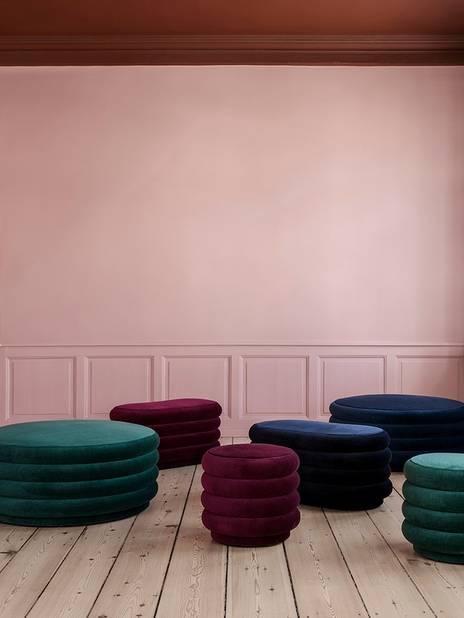 Pouf  Ferm Living, version large, 1079 euros et petit 599 euros.