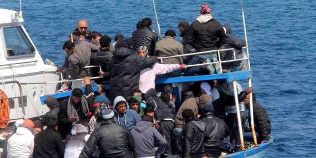 Grèce: Au moins trois migrants noyés dans le naufrage de leur bateau - La Libre