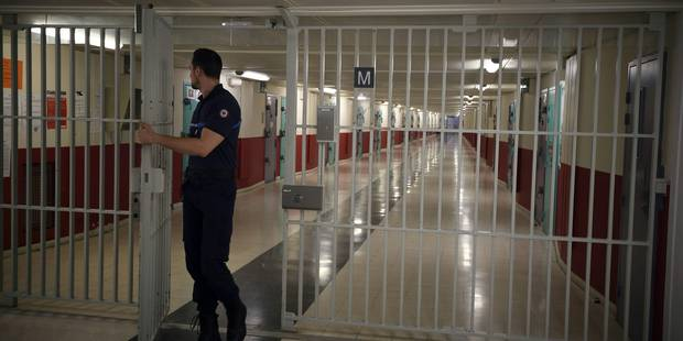 Attentats du 13 novembre: Salah Abdeslam, détenu le plus surveillé de France, muré dans le silence - La Libre