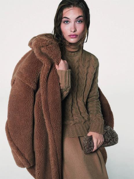 Le manteau Teddy Bear de cette année, un must-have contre le froid.