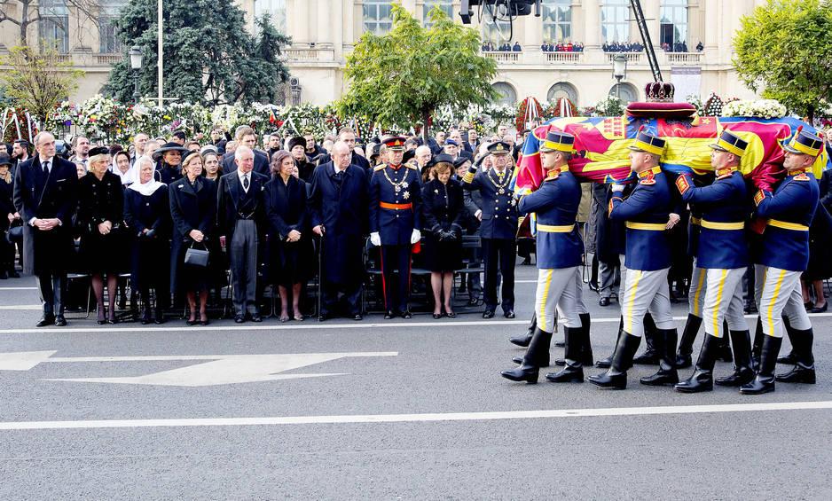 Un dernier hommage rendu au roi Michel, à Bucarest.