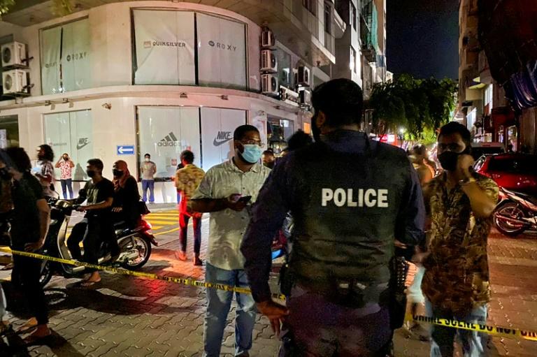 Cordon policier après une explosion à Malé, le 6 mai 2021 aux Maldives