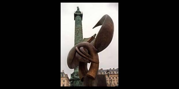Strebelle envahit Paris - La Libre