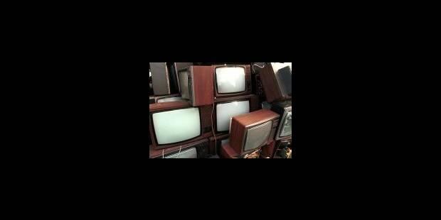 Des seniors branchés télé et journaux - La Libre