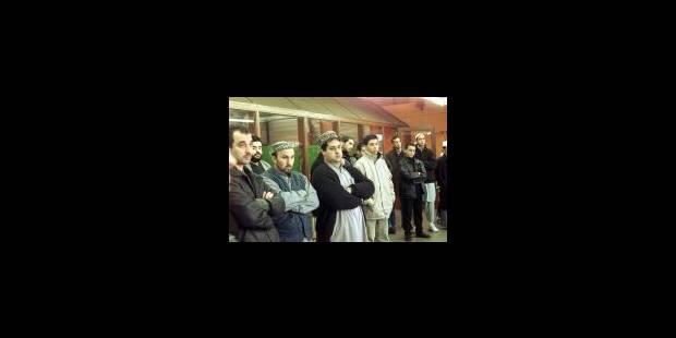 Plusieurs milliers de personnes aux funérailles de Mohamed Achrak