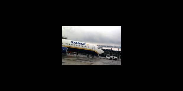 Ryanair met les bouchées doubles - La Libre