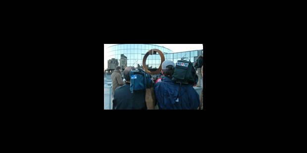 Le duel des JT aux portes du palais - La Libre