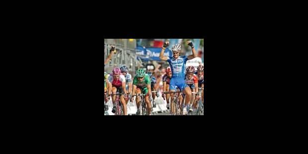 Armstrong et Boonen célèbrent sur les Champs