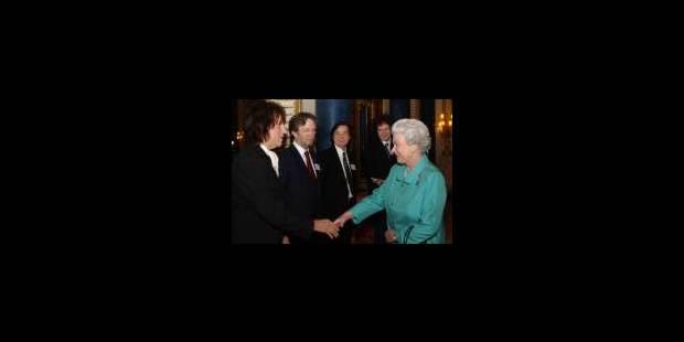 La Reine Elisabeth II et les guitaristes... - La Libre