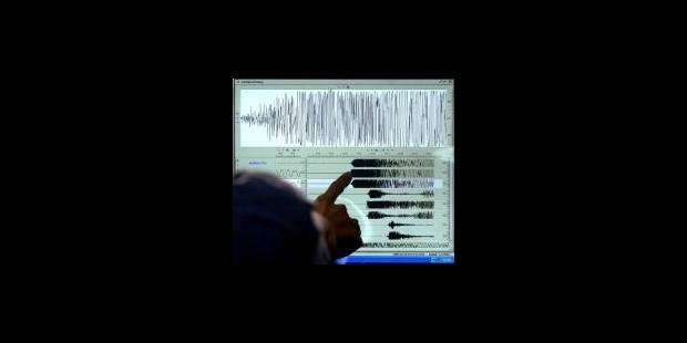 Un séisme au large de l'Indonésie fait des centaines de morts