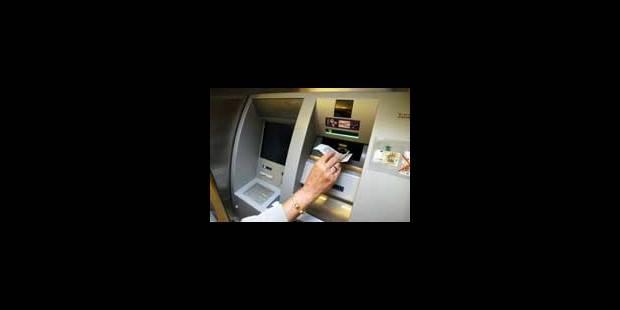 Succès des guichets de dépôts automatiques d'argent