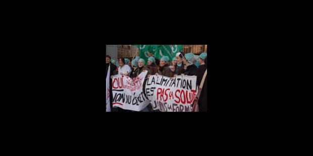 Manifestation contre les quotas d'étudiants étrangers - La Libre