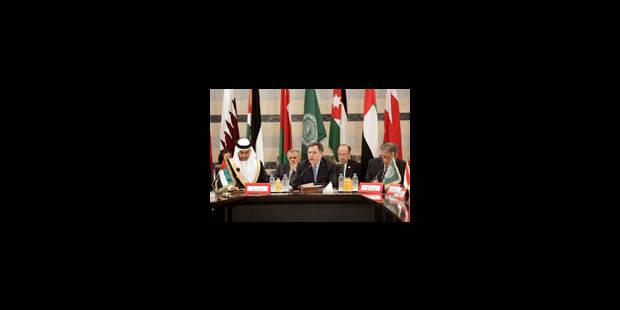 Plus de 40 morts : les larmes de Fouad Siniora - La Libre