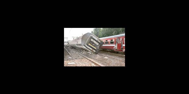 Collision de trains à Bruges: 4 blessés, trafic interrompu - La Libre