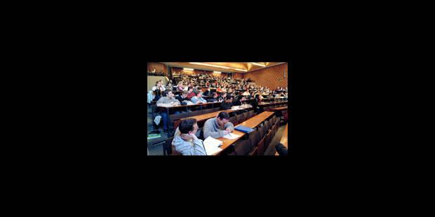 Financer les étudiants au lieu des unifs - La Libre