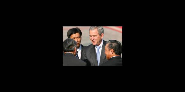 Bush gêné par une guerre qui en rappelle une autre - La Libre