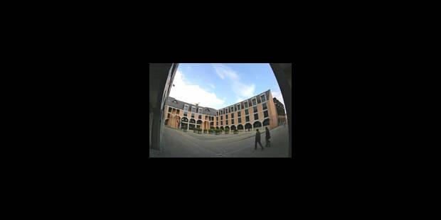 Les unifs catholiques sous bannière UCL - La Libre
