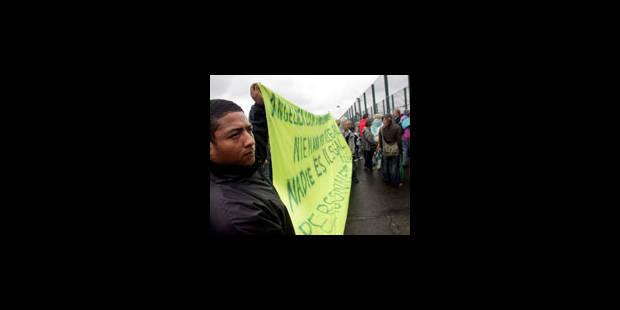 Une soixantaine de manifestants devant le 127bis - La Libre