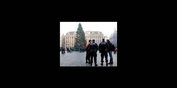 Fausse alerte à la bombe sur la Grand Place de Bruxelles - La Libre
