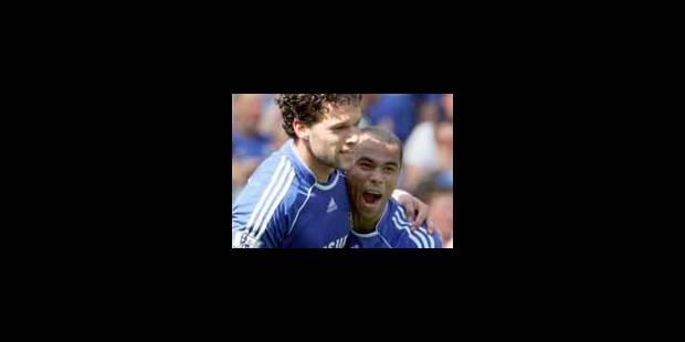 Chelsea gagne et rêve, Manchester tremble