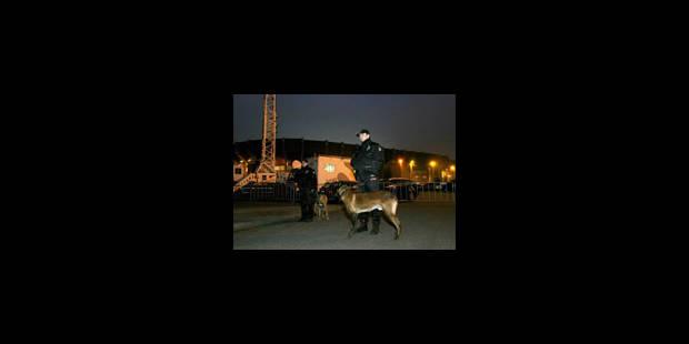 Moins de policiers autour des stades ? - La Libre