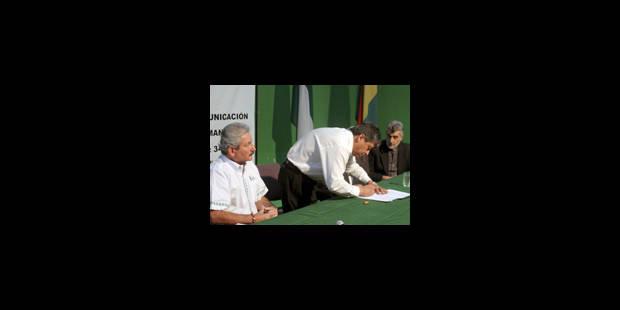 Accord signé entre gouvernement et opposition autonomiste - La Libre