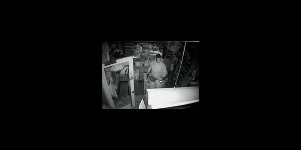 Le deuxième policier-voleur peut être poursuivi