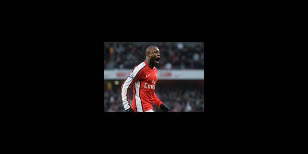 Emile Mpenza défie Arsenal - La Libre